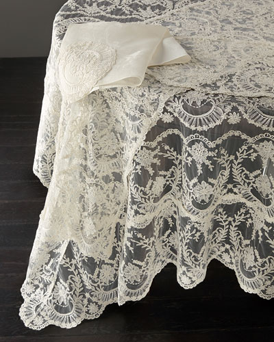 Chantilly Lace Tablecloth  90 Round