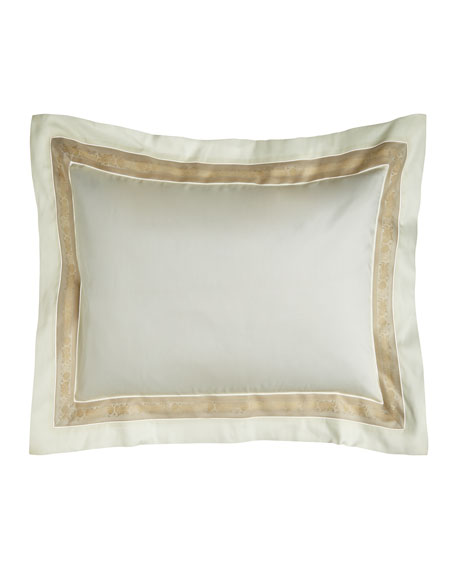 Nancy Koltes Standard 300 Thread Count Garland Pillowcase