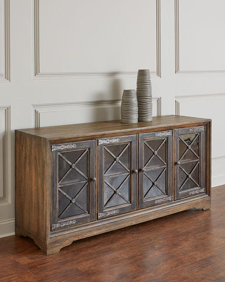 Casella Entertainment Console