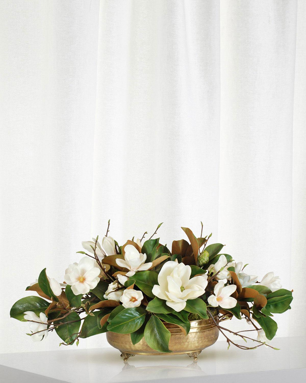 Floral Table Centerpiece Ideas: Magnolia Centerpiece