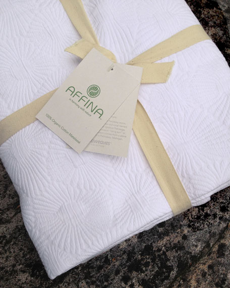 Affina Hexo Matelasse Full/Queen Coverlet