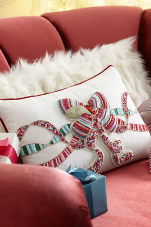 Kim Seybert Sweet Holiday Bow Pillow