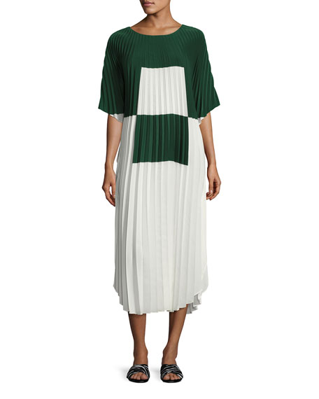 Akris Alba Plissé Crêpe Caftan Dress, White