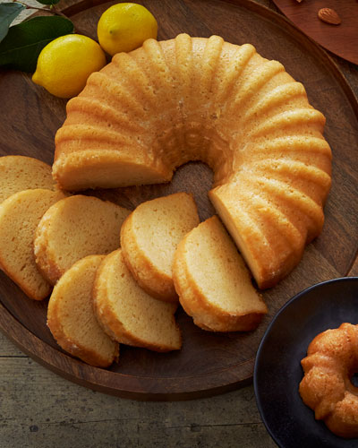 Full-Size Liqueur Cakes