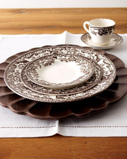 Five-Piece Delamere Dinnerware Place Setting & Wood Charger Plate