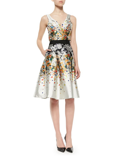 Sleeveless V-Neck Crop Top & Pleated Party Skirt in Abstract Print