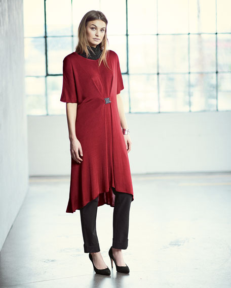 Flowing Short-Sleeve Dress W/Buckle, Red