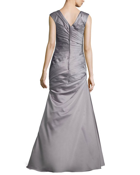 Image 2 of 2: La Femme Cap-Sleeve Ruched Mermaid Gown