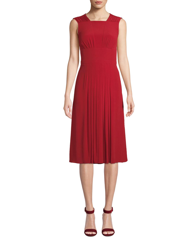 6cc501fec35 No. 21 Pleated Sleeveless Midi Dress