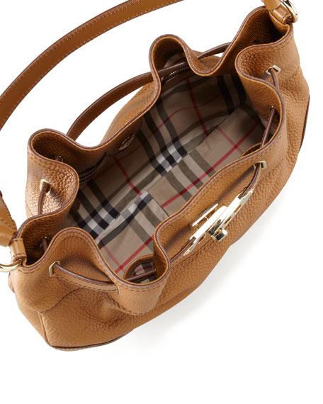 Medium Leather Shoulder Hobo Bag, Camel