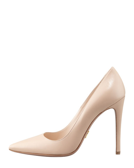 Capretto Leather Pointed-Toe Pump, Cipria