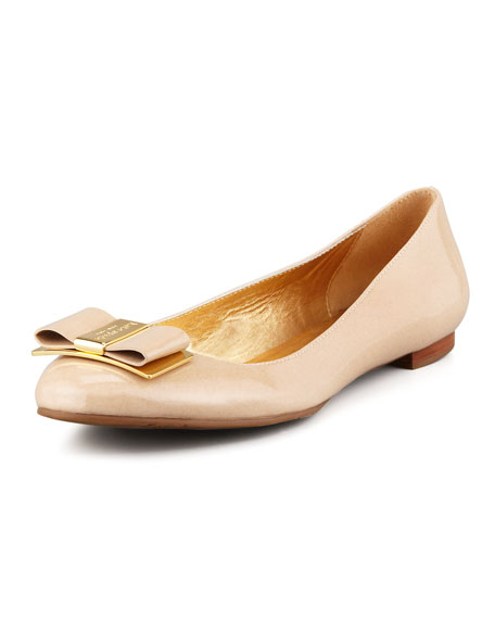 trophy bow patent leather flat, powder