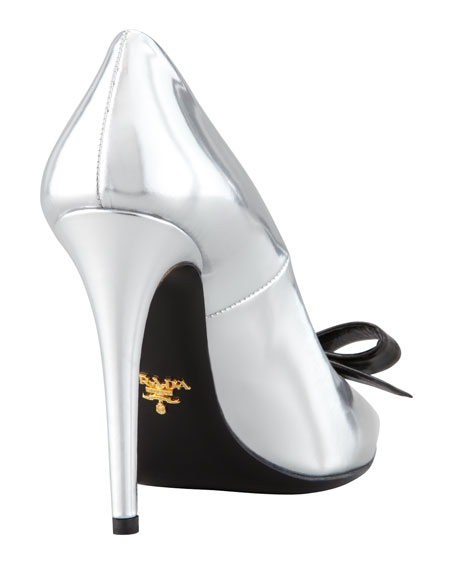 Metallic Patent Bow Pump, Silver/Black