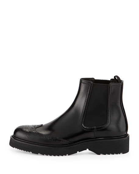 Spazzolato Wing-Tip Chelsea Boot, Black (Nero)