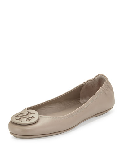 Minnie Leather Logo Travel Flat, French Gray