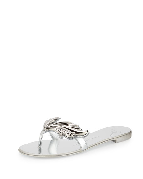 Wings Metallic Flat Thong Sandals, Argento