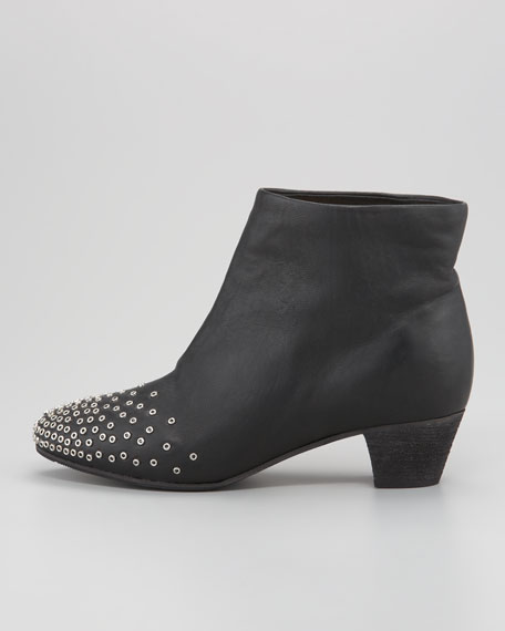 Grommet-Detail Ankle Boot