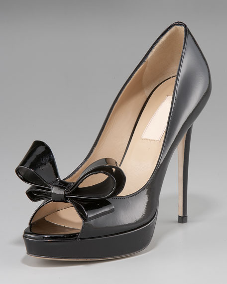 Couture Patent Bow Pump