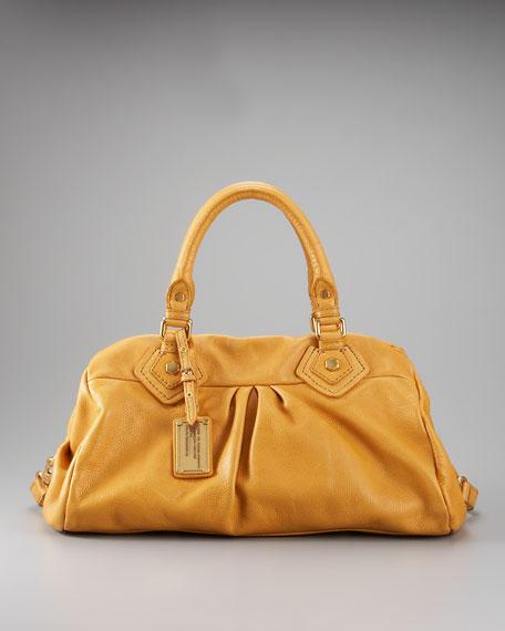 Classic Q Groovee Shoulder Bag