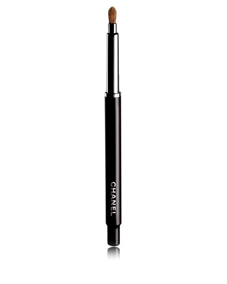 <b>PINCEAU LÈVRES RÉTRACTABLE</b><br>Retractable Lip Brush