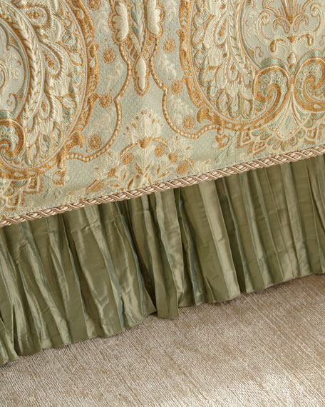 Queen Petit Trianon Dust Skirt