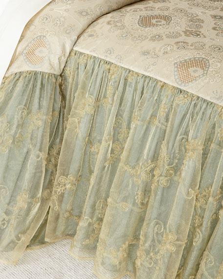 "Crystal Palace 28""L King Coverlet"