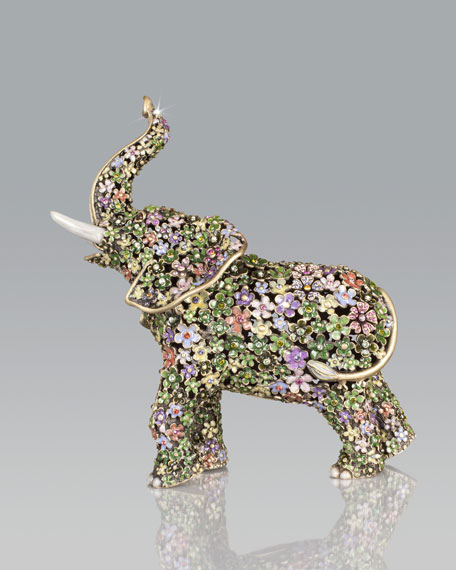 Boxwood Elephant Figurine