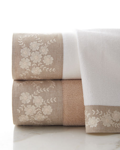 Avanti Linens Dogwood Face Cloth