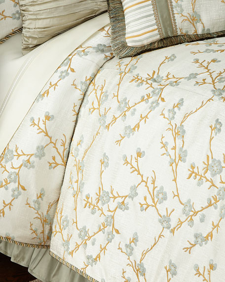 Austin Horn Collection Queen Blossom Comforter