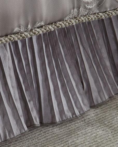 Queen Prestige Dust Skirt
