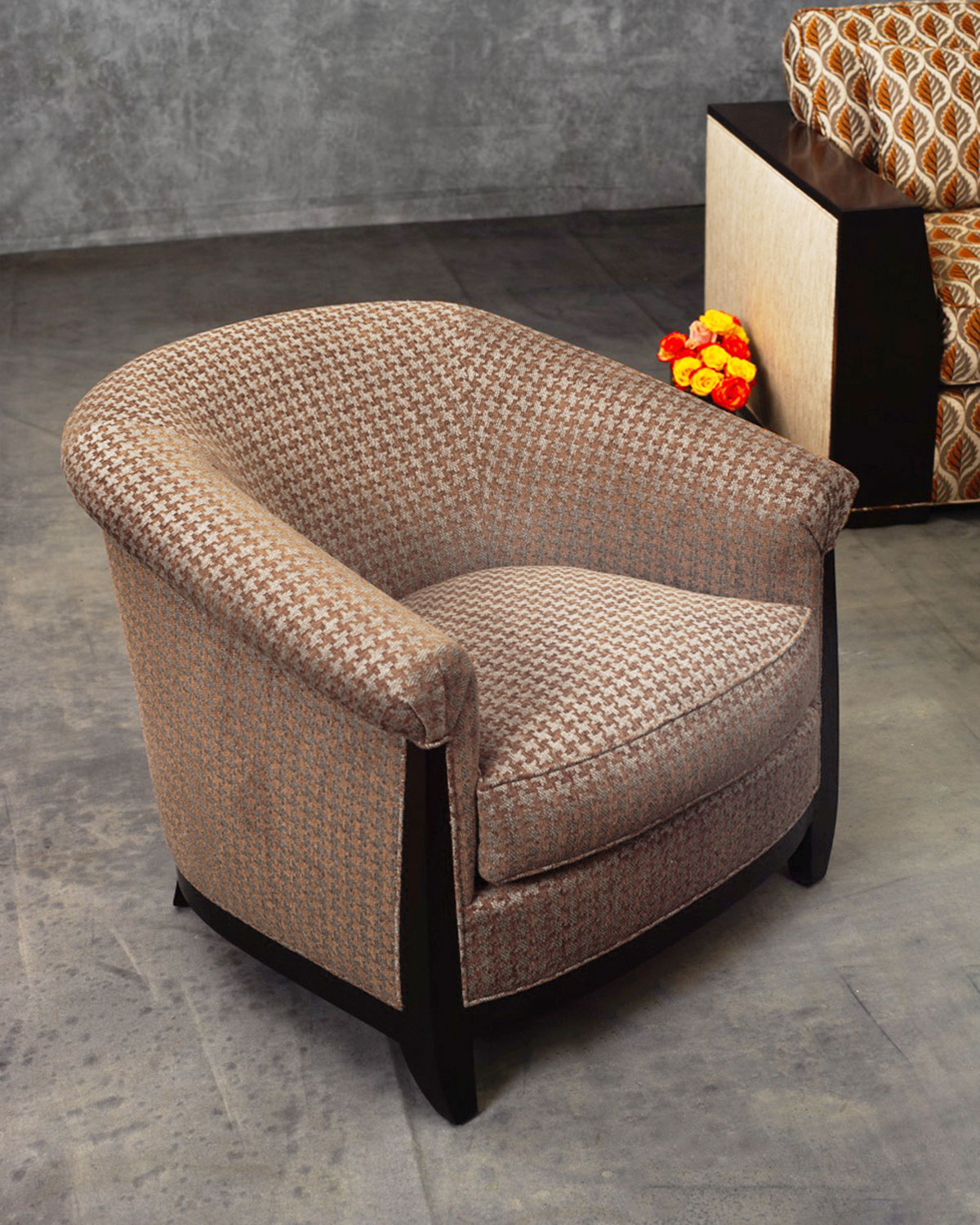 Innova Luxury Bel Air Houndstooth Lounge Chair