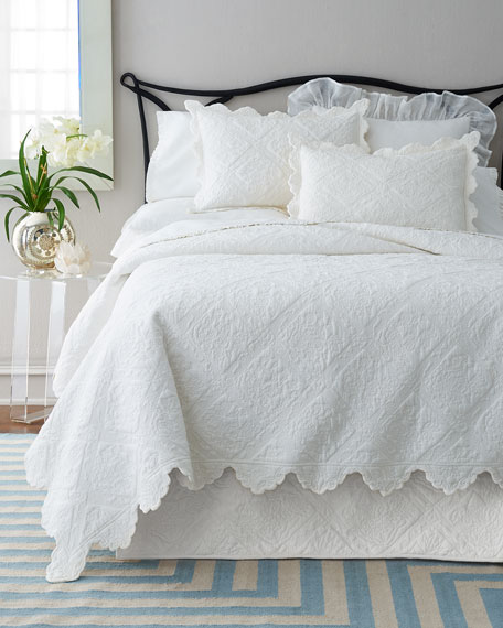 Twin Zella Scalloped Quilt