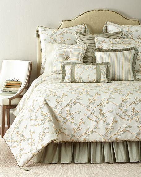 Austin Horn Collection King Blossom Comforter