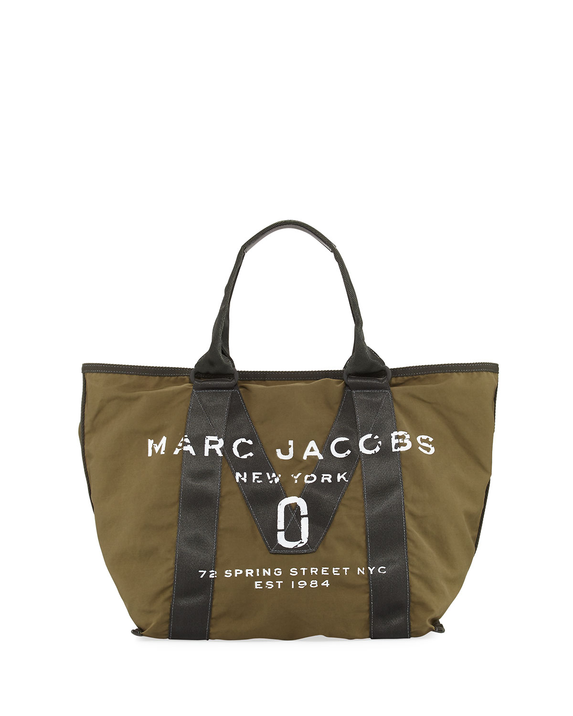 b31d1e382a2a Marc Jacobs New Logo Fabric Tote Bag
