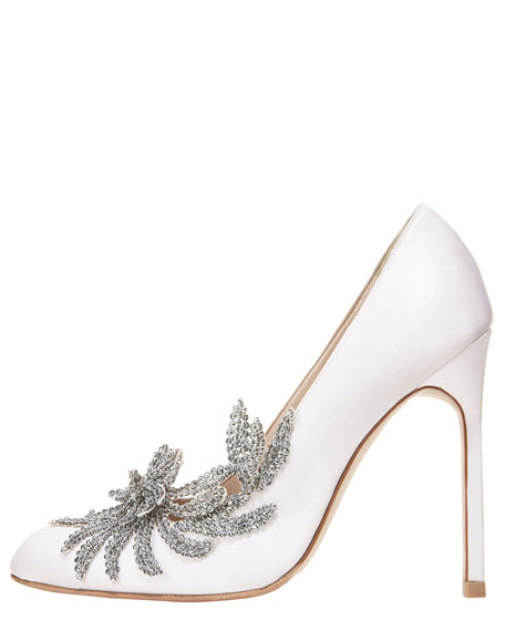 Image 3 of 4: Swan Embellished Satin Pump, White