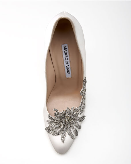 manolo blahnik swan pump sale
