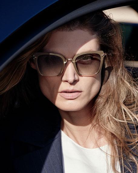 1b31c63450cf6 Miu Miu Square Frame Sunglasses albergodonlorenzo.it
