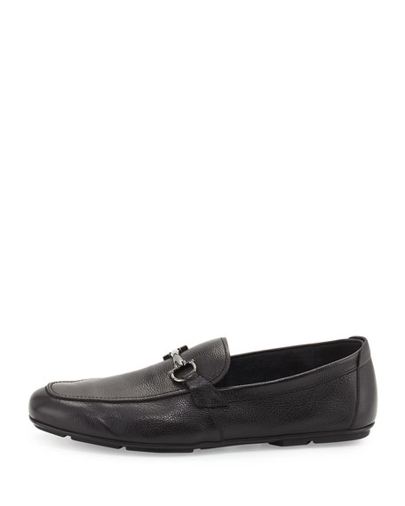 Men's Textured Calfskin Gancini Driver, Black