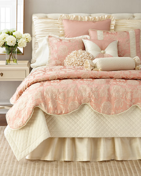 Austin Horn Collection Queen Primrose Comforter