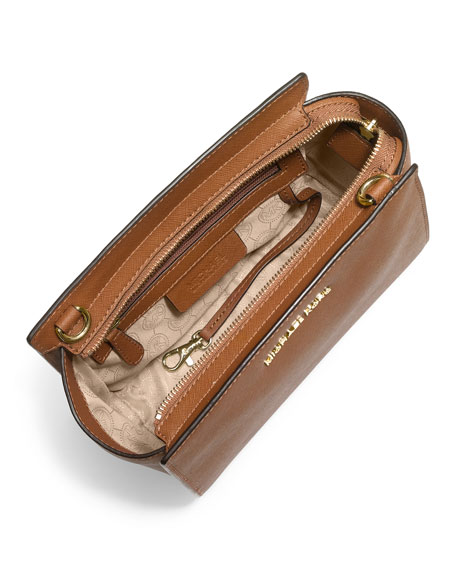 Selma Medium Messenger Bag