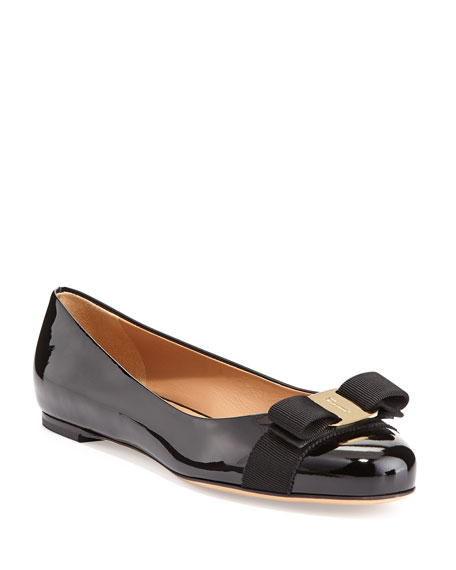 Salvatore Ferragamo Varina Patent Leather Flats tpLtL