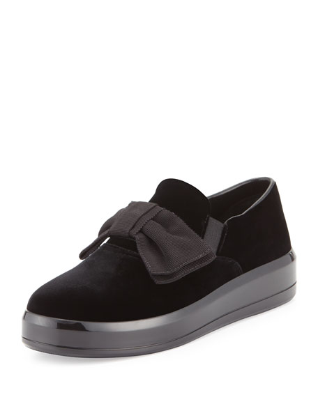 Bow Velvet Skate Sneaker, Black (Nero)
