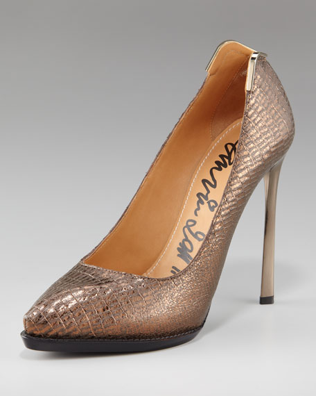 Metal-Backed Pump, Gold