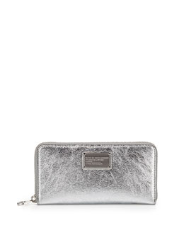 Classic Q Metallic Wingman Zip Wallet, Silver