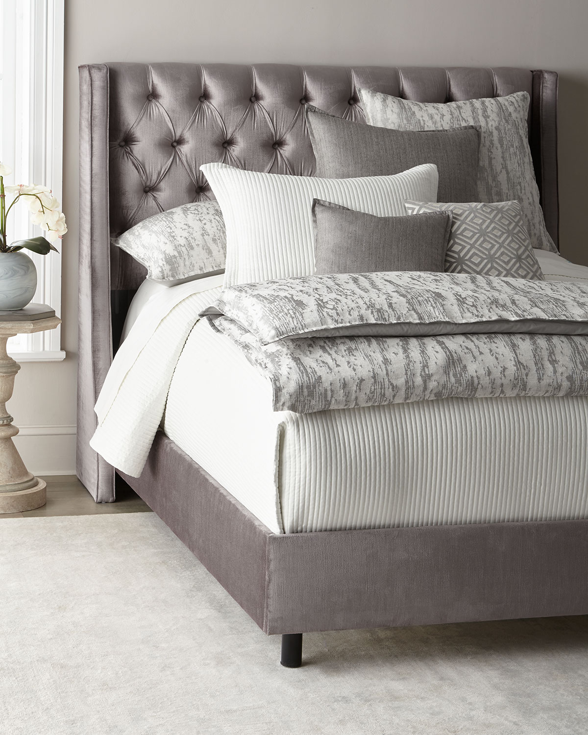 Neerah Velvet Tufted Queen Bed And Matching Items