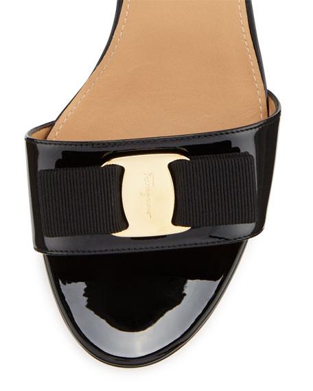 Salvatore Ferragamo Gavina Bow Patent City Sandals, Nero