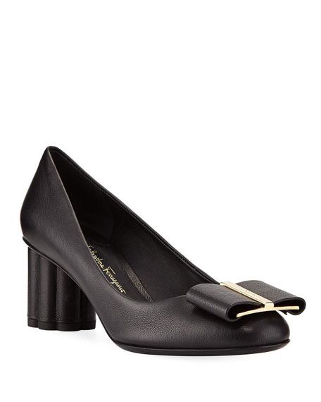 Salvatore Ferragamo Capua 55 Pebbled Leather Pumps with Vara Bow, Nero