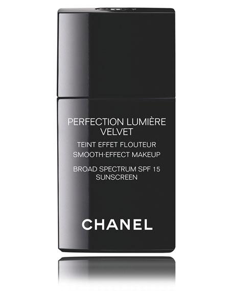 CHANEL <b>PERFECTION LUMIÈRE VELVET SPF 15 </b><br> Smooth-Effect Makeup Broad Spectrum SPF 15 Sunscreen