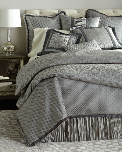 Aviana Bedding