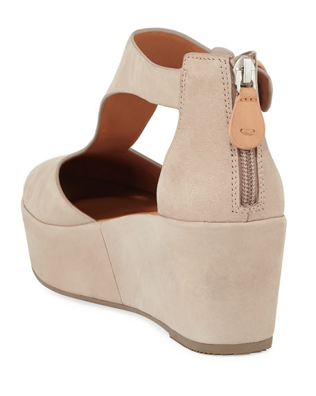Gentle Souls Nydia Closed-Toe Platform T-Strap Sandals